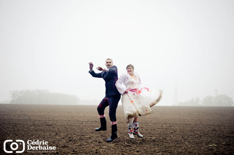 trash the dress dans les champs