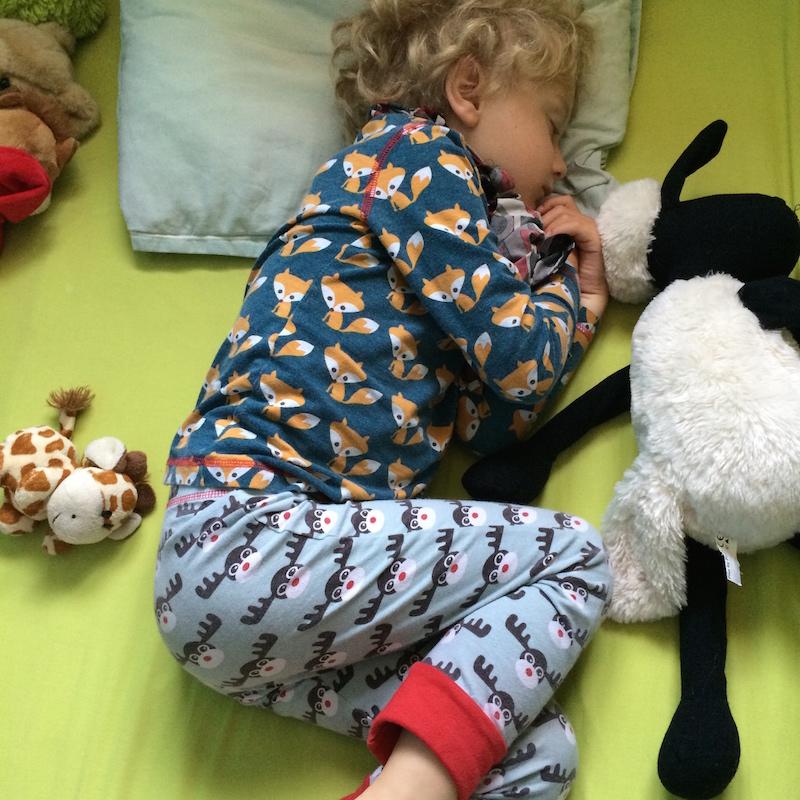 135 excuses pour ne pas aller au lit chut maman bavarde. Black Bedroom Furniture Sets. Home Design Ideas