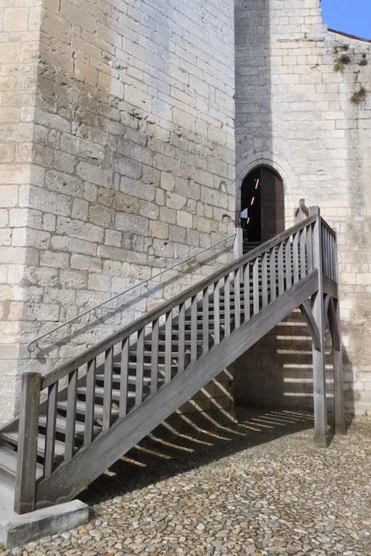 dordogne château bourdeilles